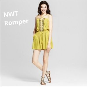 Pants - Romper strap embroidered yellow NWT